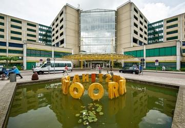 Twee schetsontwerpen voor de afdeling Dialyse van Rijnstate