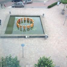 beeld vanuit parkeergarage
